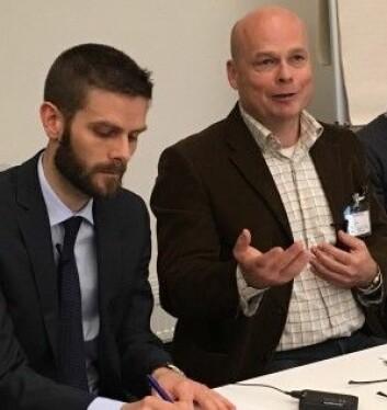 Einar Lie (til høyre), professor og ekspert på økonomisk historie, mener politikerne også bør få øren for viktige norske reformer, ikke bare byråkratene. (Foto: Anne Lise Stranden/forskning.no)