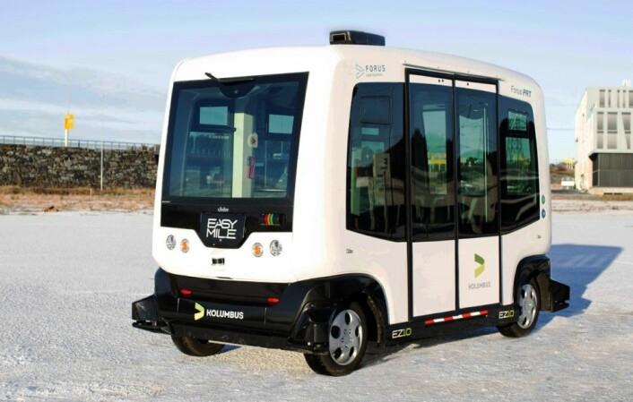 Den selvkjørende franske bussen EasyMile prøves nå ut på Forus Næringspark i Stavanger. Forbedret kollektivtransport ligger på en 37. plass på listen, og kan stå for omtrent 6,5 gigatonn med CO2-kutt i 2050 (Foto: Elisabeth Tønnessen, Kolumbus)