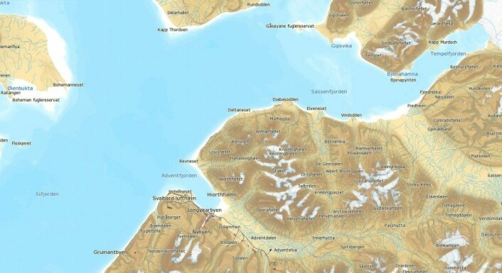 KV «Svalbard» befant seg utenfor Adventfjorden da de måtte avbryte forskernes aktiviteter. Scooterulykken fant sted i Tempelfjorden, øverst til høyre på kartet. (Kart: Kartverket, norgeskart.no)