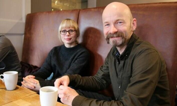 Ida Marie Henriksen og Aksel Tjora forsker på kafégjester. (Foto: Steinar Brandslet/NTNU)